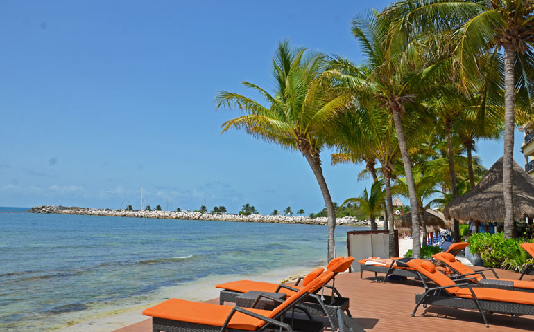 things to do in Puerto Morelos -  the beach