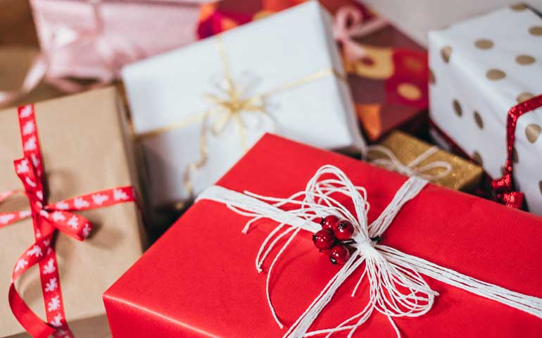 holiday gifts for cheap