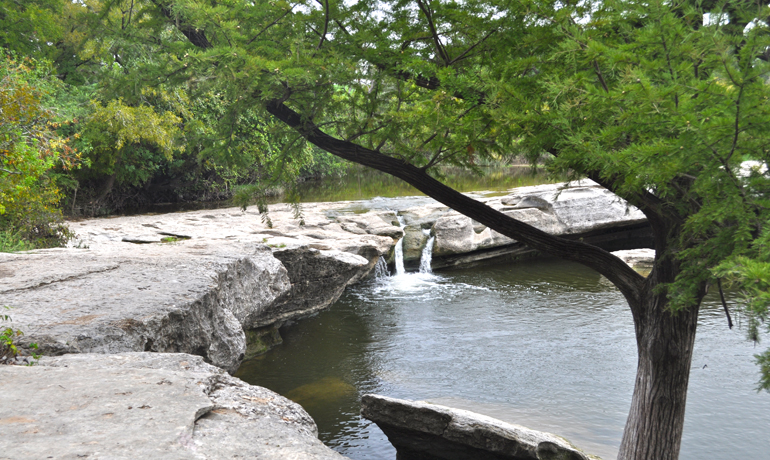 hiking mckinney falls
