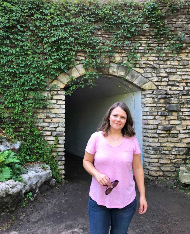 places to take pictures in Omaha Elmwood park grotto