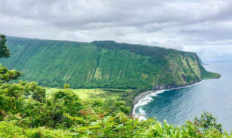 Waipio Valley Big Island overlooking the valley