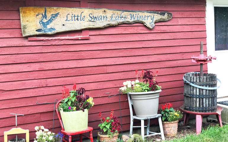 Little Swan Lake Winery sign on barn