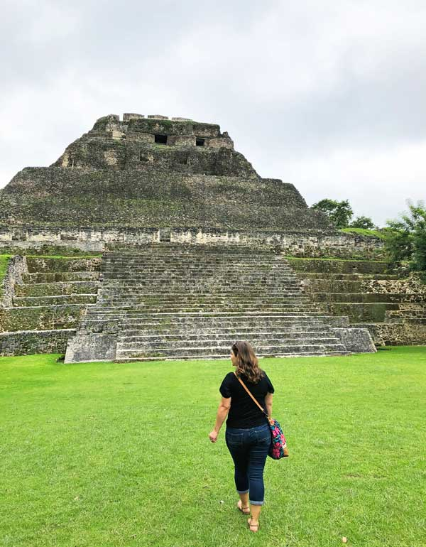 Visiting the Mayan ruins of Xunantunich