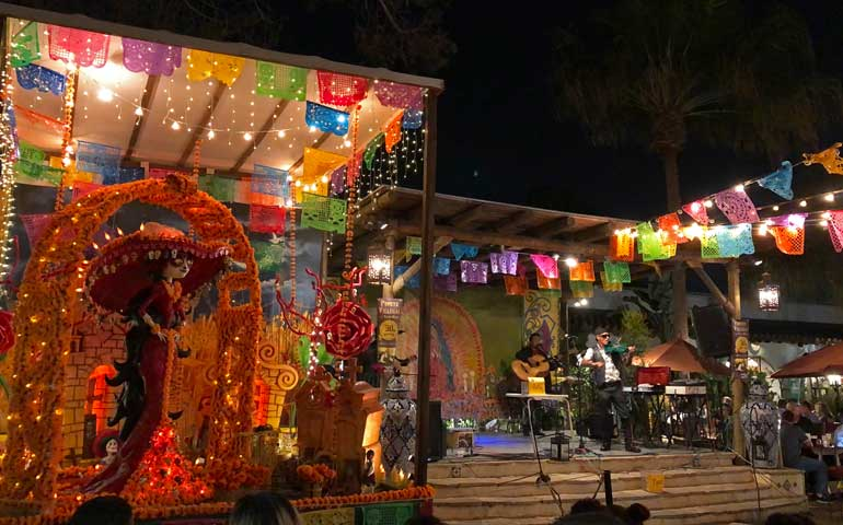 Live music at Fiesta De Reyes