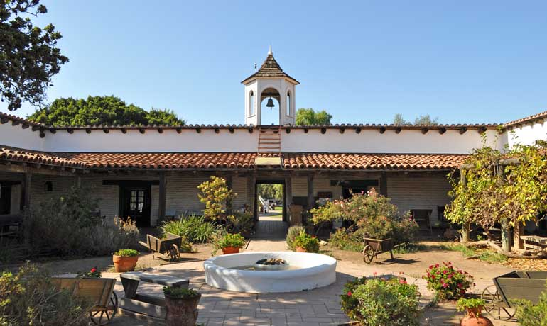 old town san diego museum La Casa De Estudillo spanish architecture