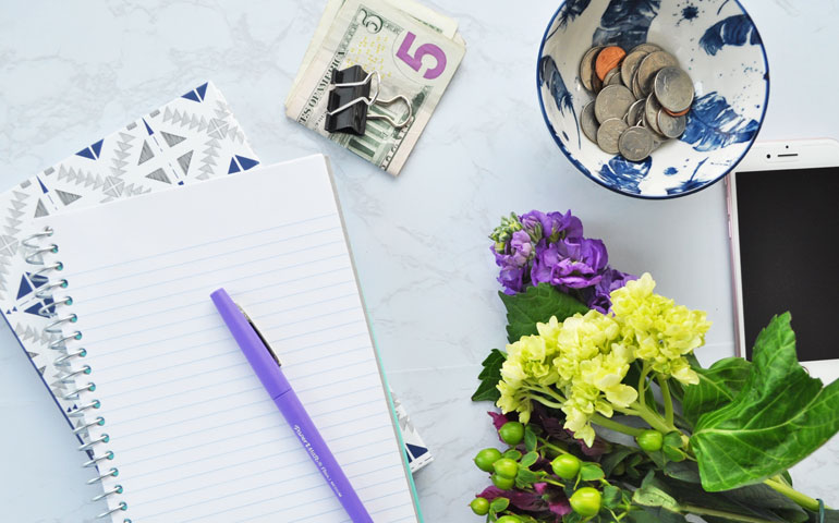 budgeting flatlay