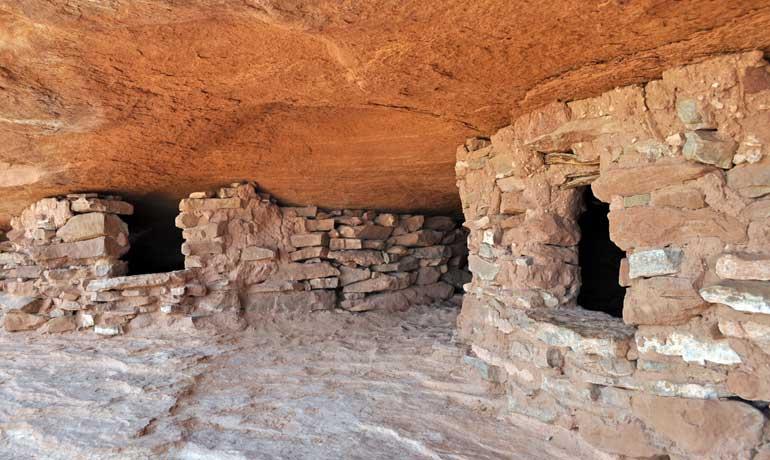 puebloan granaries at aztec butte trail