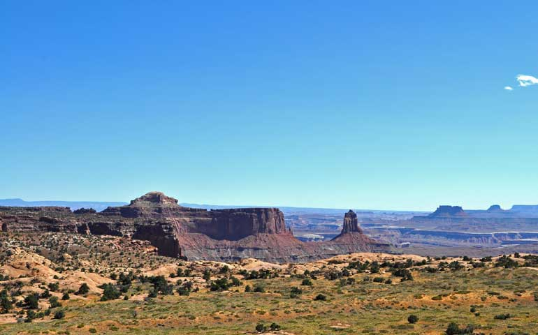 views and best hikes in canyonlands