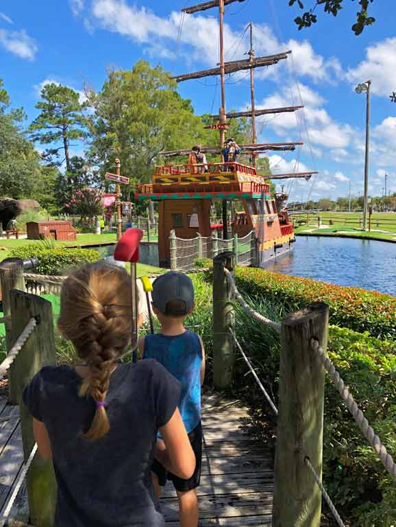things to do in gulf shores with kids mini golf
