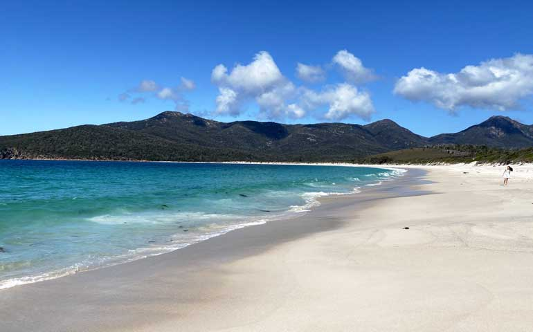 Wineglass Bay affordable beach vacation