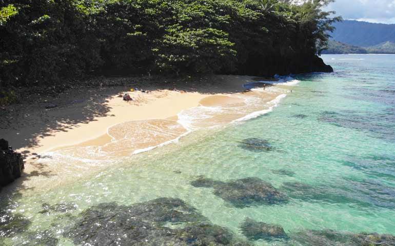 hideaway beach snorkeling