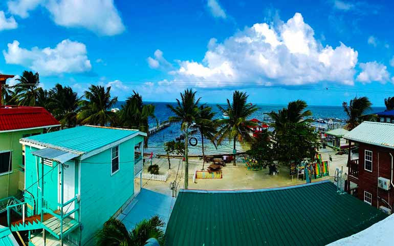 cheapest island vacations caye caulker belize