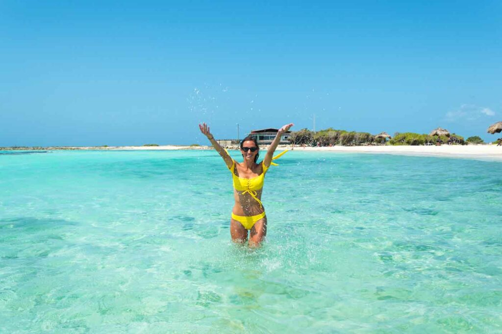instagrammable places in aruba baby beach