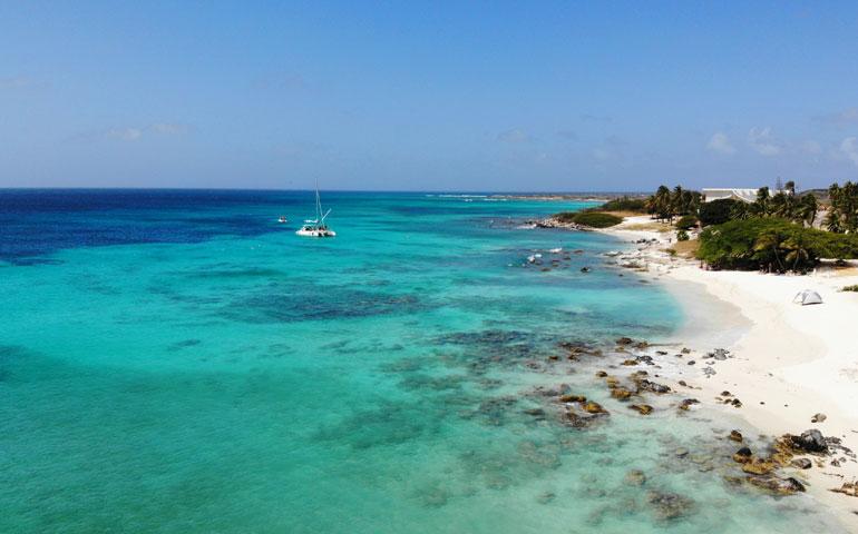 best beach on aruba