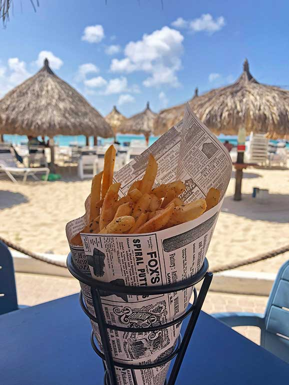 is aruba expensive food on the beach