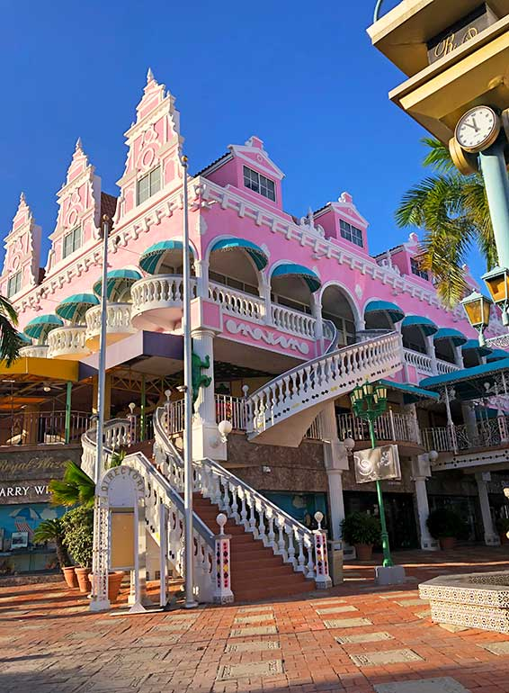 royal plaza mall, most instagrammable places in aruba