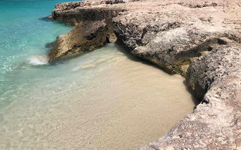 tres trap beach Aruba
