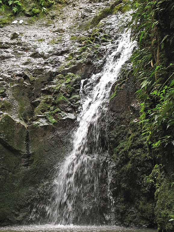 easy waterfall hikes Oahu