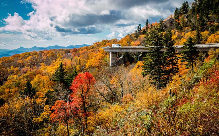 scenic drives for fall vacation usa