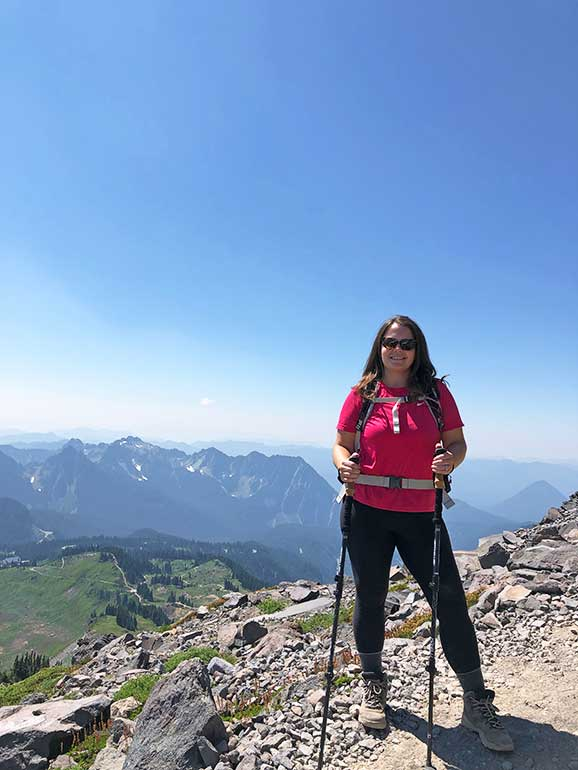 packing for hiking in washington with cascade mountain views