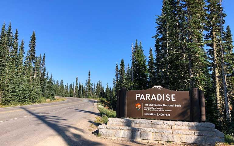 paradise mt rainier sign