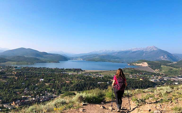ptarmigan peak trail with lake views