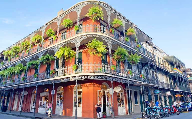 places to visit in winter in usa-new Orleans