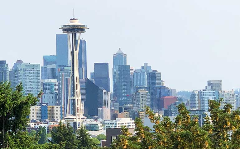 kerry park views of seattle space needle