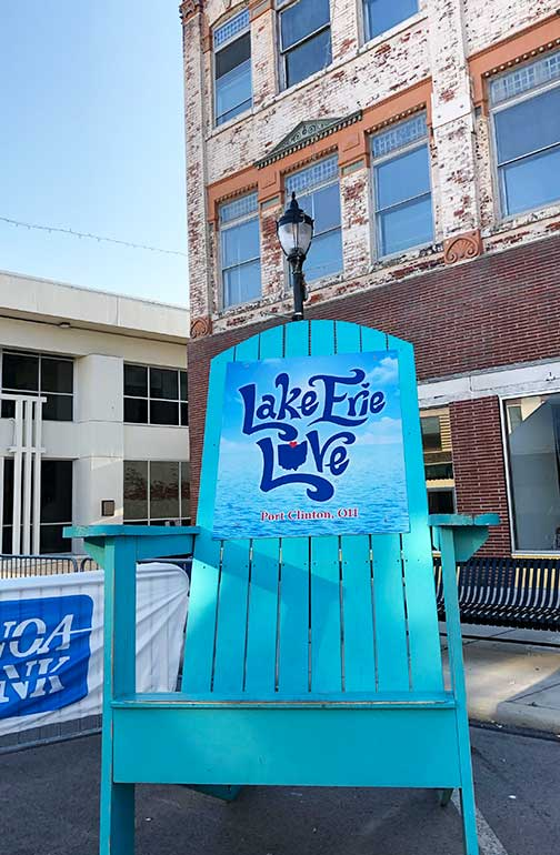Lake Erie love chair