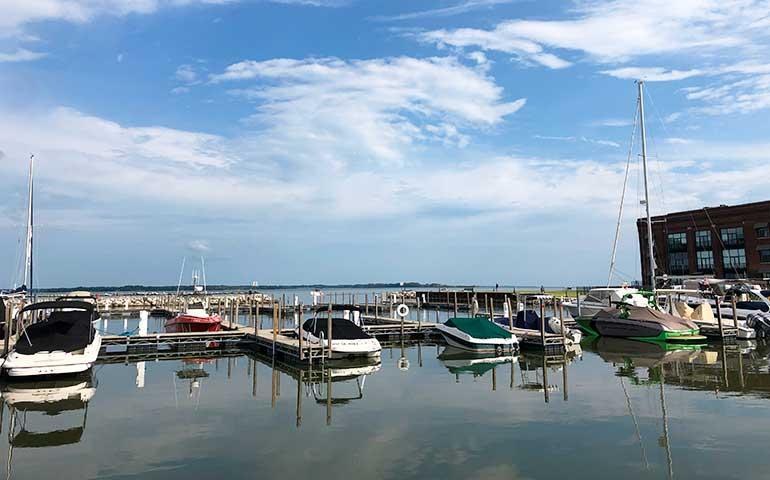 things to do Sandusky ohio boats at marina