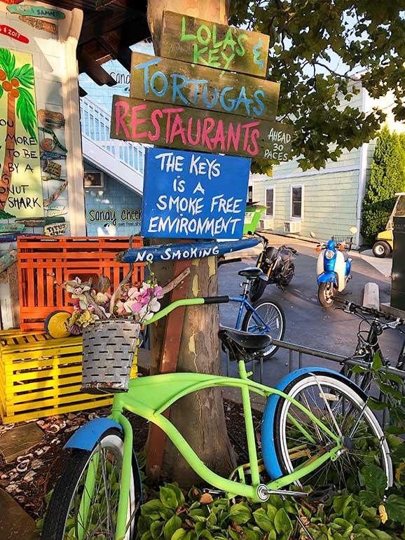the keys restaurant sign